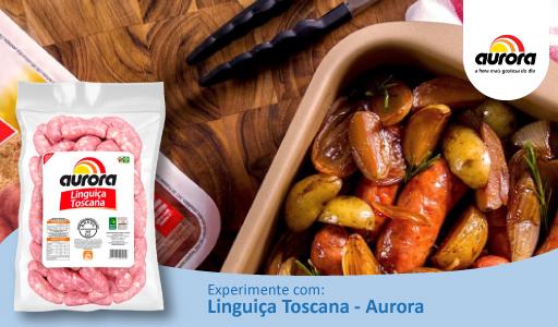 Deliciosa Linguiça Toscana Aurora Assada com Batata, Cebola e Ervas Frescas